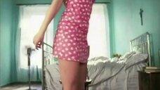 2. Молодая Полина Гагарина в коротком платье в клипе «Я твоя»