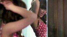4. Молодая Полина Гагарина в коротком платье в клипе «Я твоя»