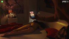 Девушку топлес фотографируют на телефон