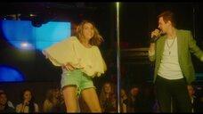2. Юлия Александрова танцует у шеста – Красотка в ударе