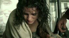 Плачущая раздетая Бьянка Компрату после пытки