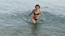 1. Ангелина Стречина в купальнике