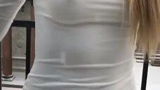 9. Наталья Рудова без лифчика в обтягивающем платье