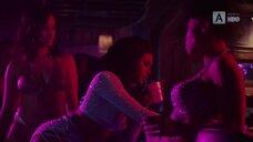 6. Эларика Галлахер и Брэнди Эванс в стриптиз клубе – Долина соблазна
