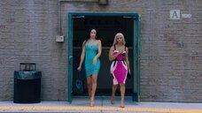 2. Секси Эларика Галлахер в платье – Долина соблазна