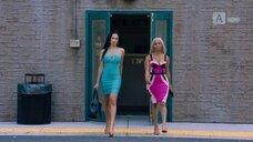 3. Секси Эларика Галлахер в платье – Долина соблазна