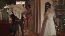 Талисса Тейшейра примеряет свадебное платье