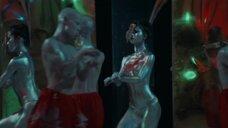 5. Раздетые девушки в краске выступают на сцене – Избранное Эдогавы Рампо: Ужасы обезображенного народа