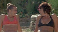 Жанна Коллетен и Анни Жирардо в купальниках
