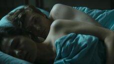 Елена Лядова в постели