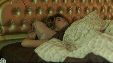 Агата Муцениеце утром после секса