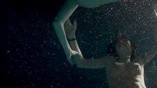 5. Диана Гомес и Ариадна Каброль голышом плавают под водой – Дневник лесбиянки