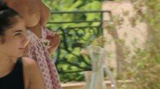 3. Захия Дехар оголила грудь – Мое прекрасное лето с Софи