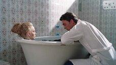 15. Горячая сцена с Светланой Ходченковой в ванной – Любовь без размера