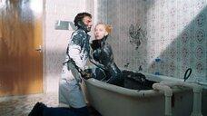 20. Горячая сцена с Светланой Ходченковой в ванной – Любовь без размера