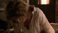Шерон Стоун засветила голую грудь