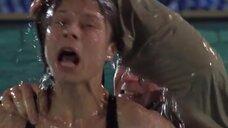 Нападение на Сабину Грабис в бассейне