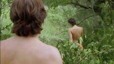 1. Полностью голая Сабина Пецль на природе – Комиссар Рекс