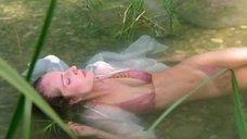 Флорентина Ламе в мокром купальнике