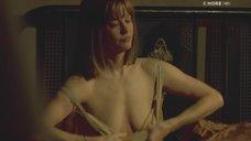 5. Голая грудь Мег Райан – Темная сторона страсти