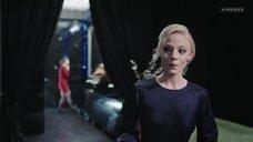 Алена Михайлова в платье без лифчика