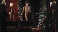 21. Жозефин Жаклин Джонс, Флоранс Герен и Моник Габриэль показывают себя голыми – Чёрная Венера