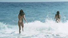 3. Жозефин Жаклин Джонс и Флоранс Герен купаются голыми – Чёрная Венера