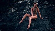 17. Фотосессия Марии Горбань на берегу Черного моря для журнала MAXIM