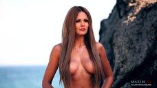 9. Фотосессия Марии Горбань на берегу Черного моря для журнала MAXIM
