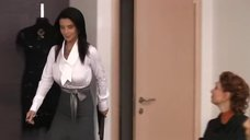 1. Соски Екатерины Стриженовой просматриваются сквозь блузку – Летом я предпочитаю свадьбу