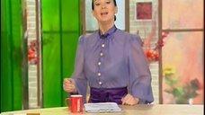 Екатерина Стриженова в прозрачной блузке в телепередаче «Доброе утро»