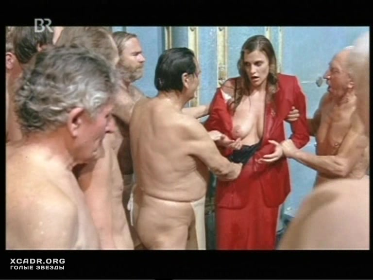 lesbiyskie-stseni-iz-filmov-s-ekaterinoy-strizhenovoy