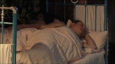 14. Екатерина Стриженова в ночнушке – У каждого своя война