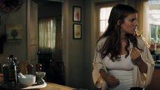 Соски Кейт Мары просвечиваются сквозь футболку