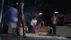 Секс и танцы в клубе