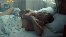 Наталья Скоморохова в постели