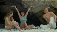 Чулпан Хаматова и Анна Арланова отдыхают у моря