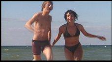 Фрагменты развлечения Чулпан Хаматовой на побережье