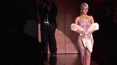 Рианна в прозрачном платье