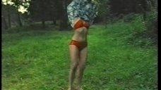 2. Мария Голубкина в красном купальнике – Хоровод