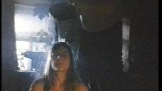 Мария Голубкина моется в тазике