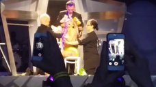 7. Леди Гага разделась догола прямо на сцене