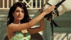 5. Катерина Мурино на коне – Казино Рояль