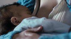 4. Ева Грин кормит грудью ребёнка – Чрево