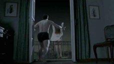 Оксана Акиньшина прыгает с балкона