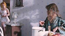 2. Анна Слю в белье – Огни притона