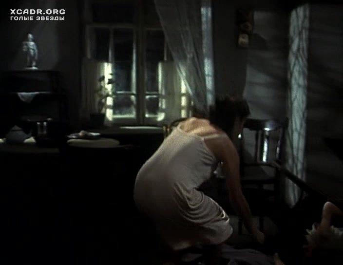 Интимная Сцена С Екатериной Редниковой В Поезде – Вор (1997)