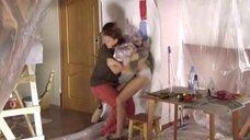 Любови Толкалиной задрали юбку