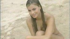 Раздетая София Вергара на пляже во время фотосессии