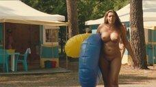 Полностью голая Софи Ноле
